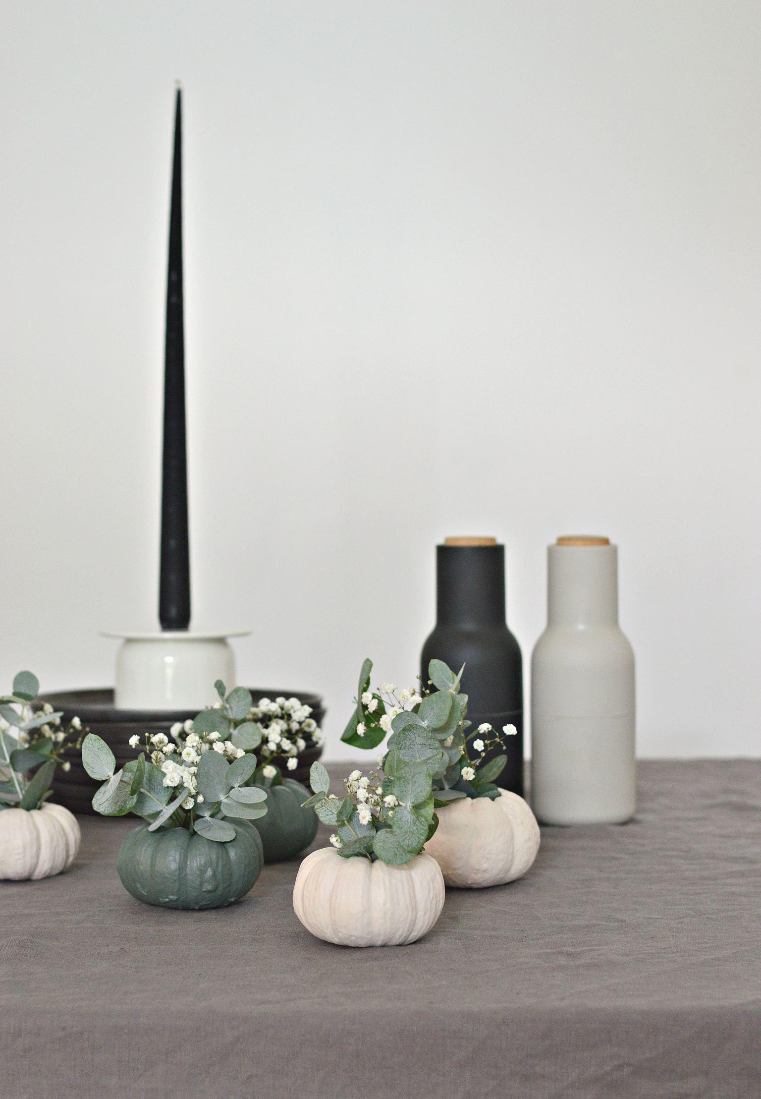 DIY mini pumpkin vases