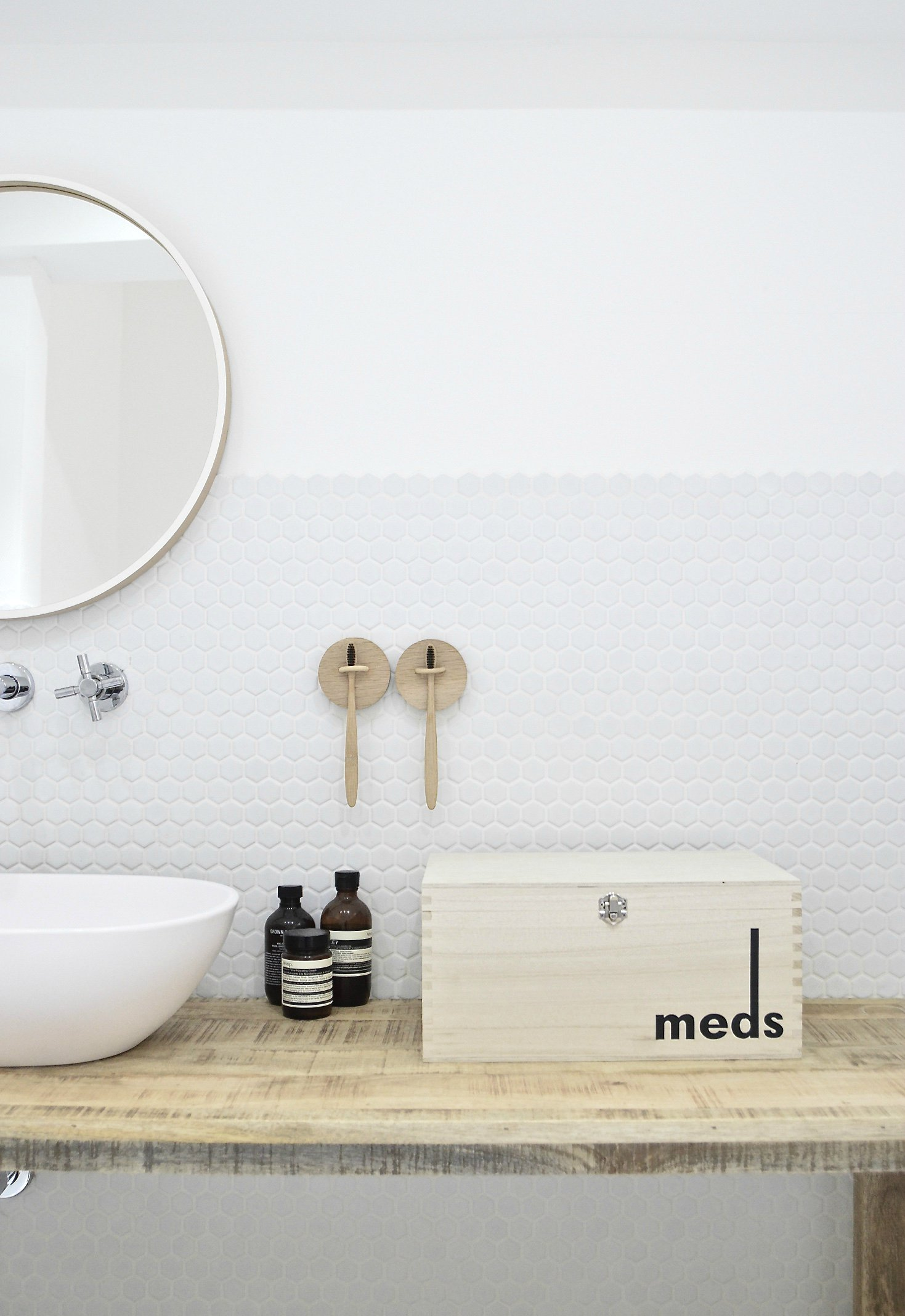 easy decluttering minimalist