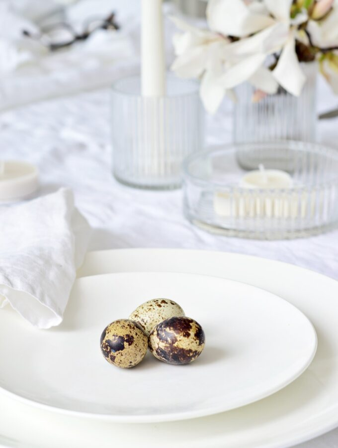 white out: a simple Easter table setting (that's easy to recreate)