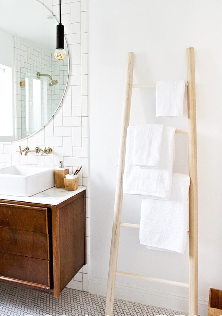 DIY bathroom towel ladder