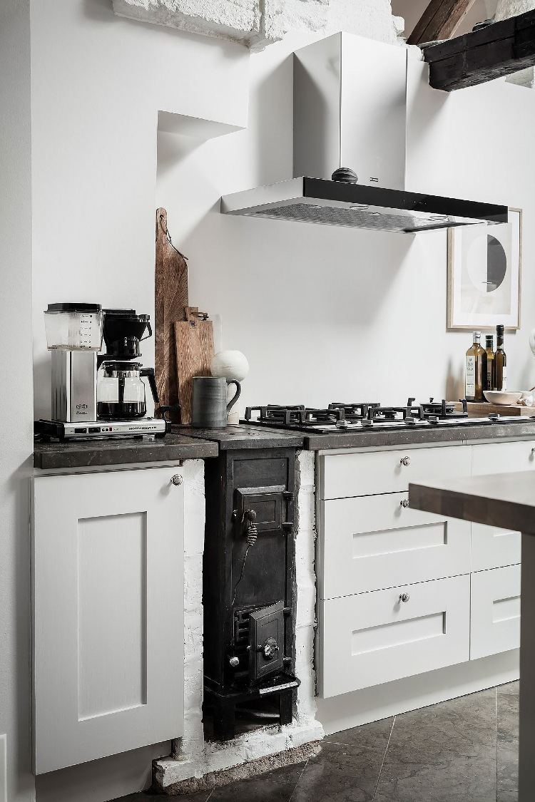 modern and traditional mixed kitchen