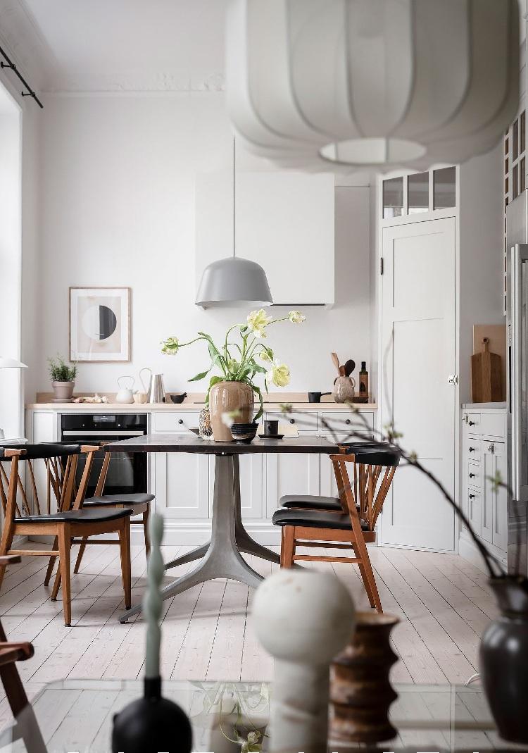 small Scandinavian kitchen layout