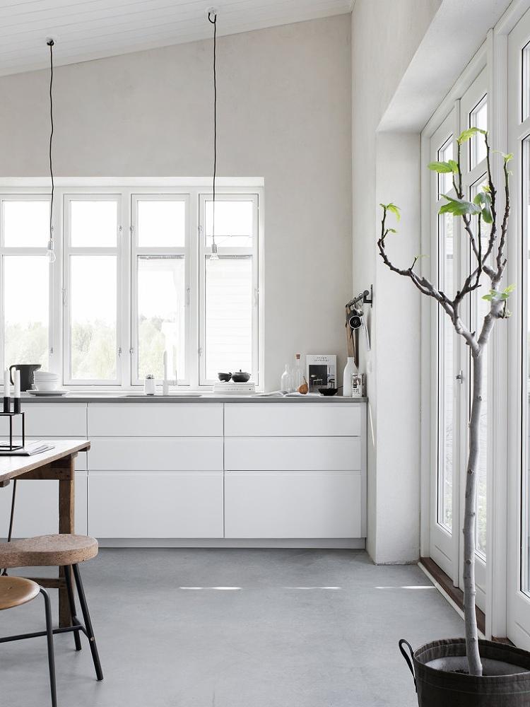timeless bright white kitchen