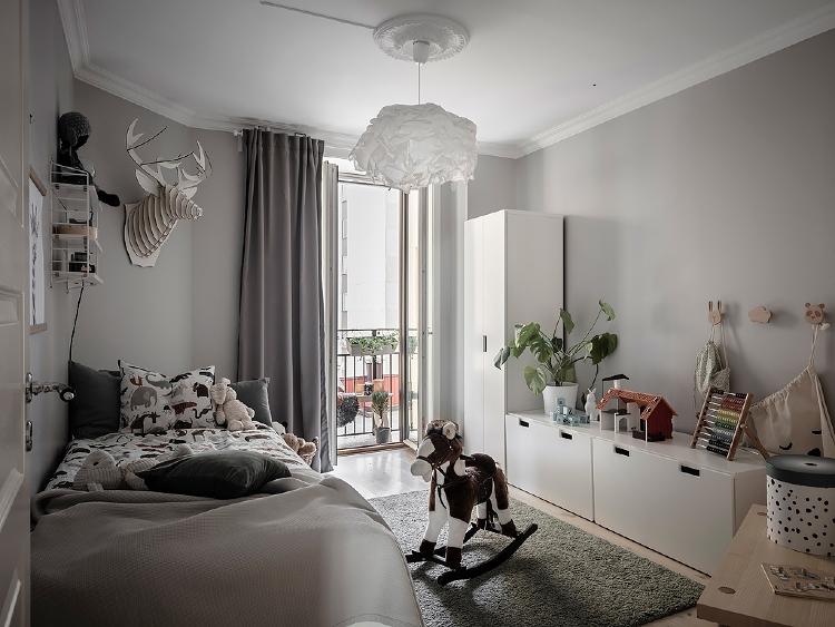 Scandinavian kids bedroom grey